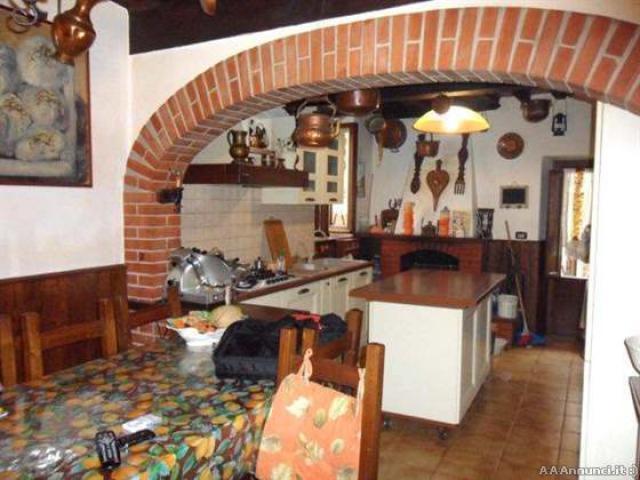 Rustico a Camaiore 186mq centro storico