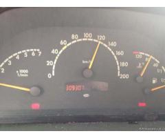 Bello e comodo Mercedes V220