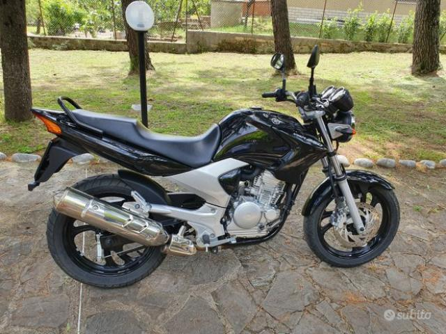 Yamaha ybr 250 - 1/4