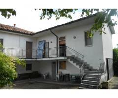 Villa con ampio parco in Oltrepò Pavese